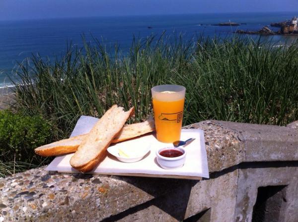 On peut aussi prendre son petit déjeuner à Etxola Bibi (phot: Facebook du bar)