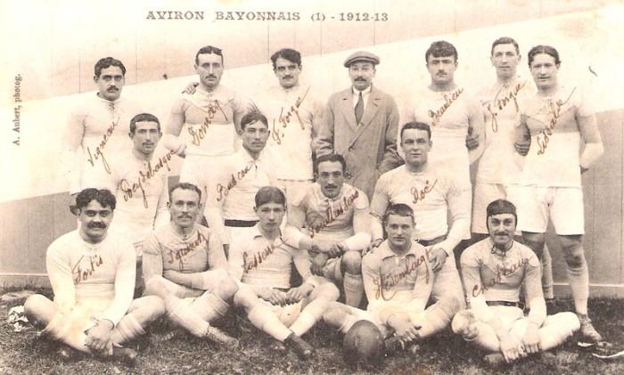 Léquipe de l'Aviron Bayonnais, champion de France 1913