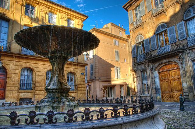 La Fontaine Albertas à Aix en Provence (© marcovdz)
