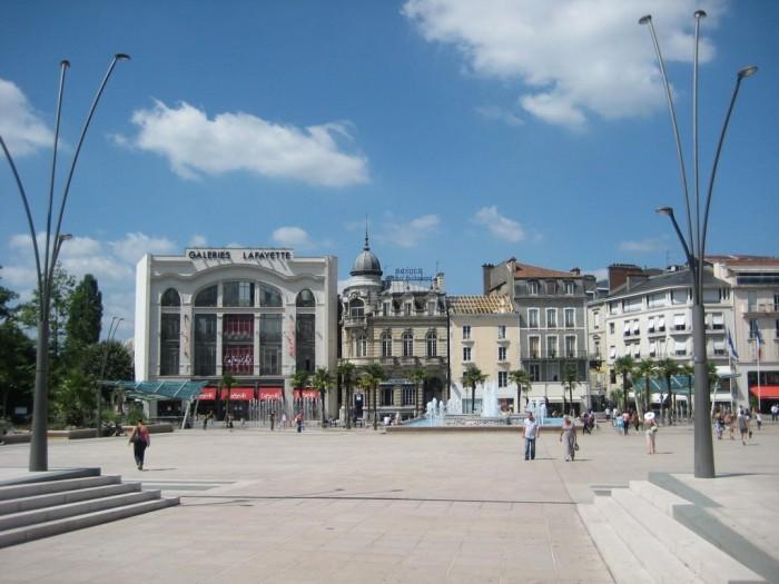 Pau_Place-Clemenceau