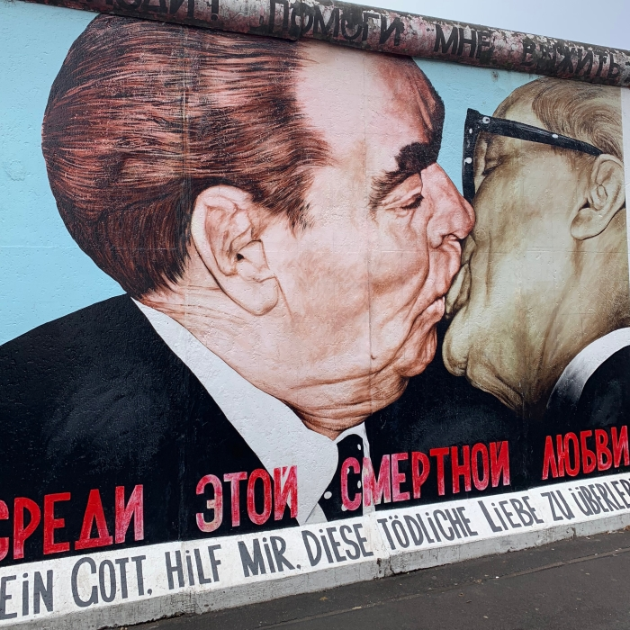 BerlinWall_Kiss